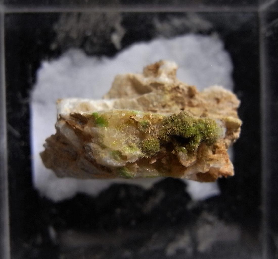 GREEN SPRAYS OF PYROMORPHITE - 2