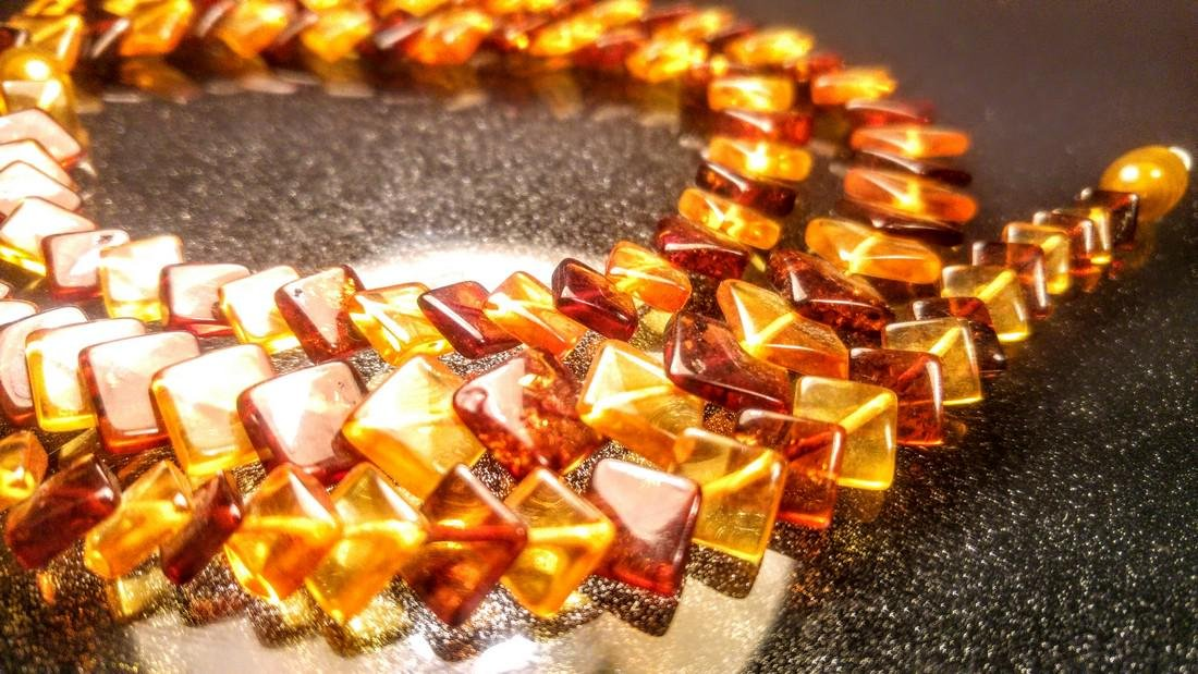 100% Genuine Baltic amber necklace - 10