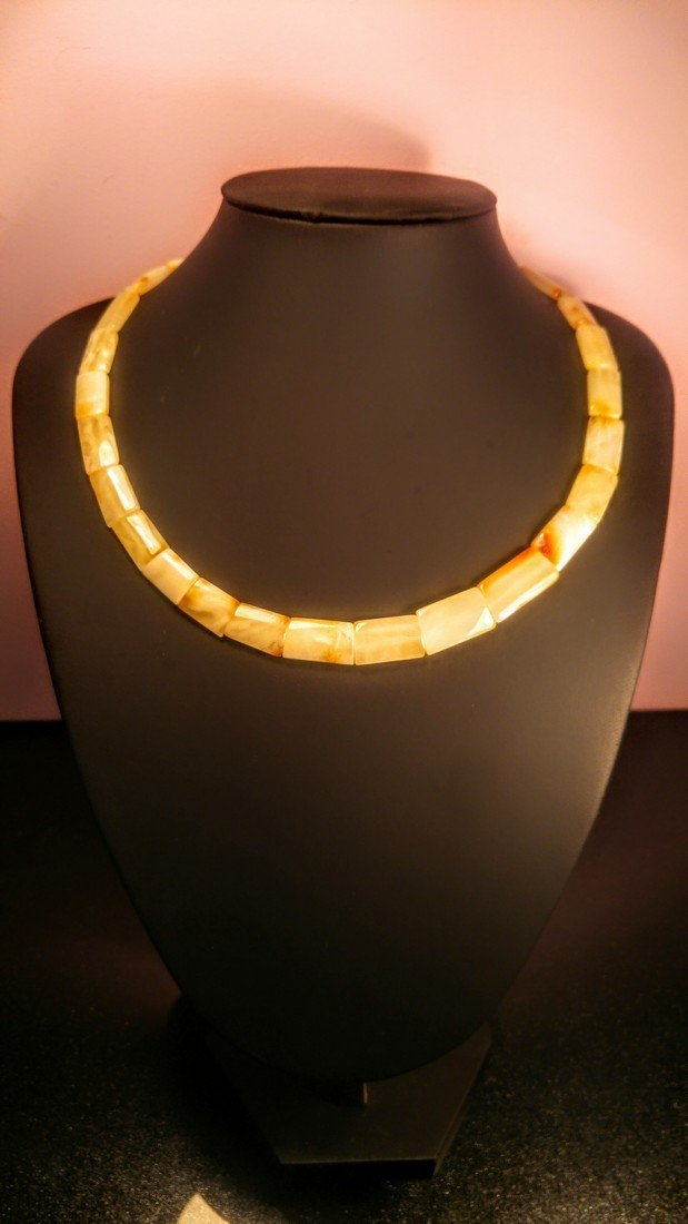 100% Genuine  Royal colour Baltic amber necklace
