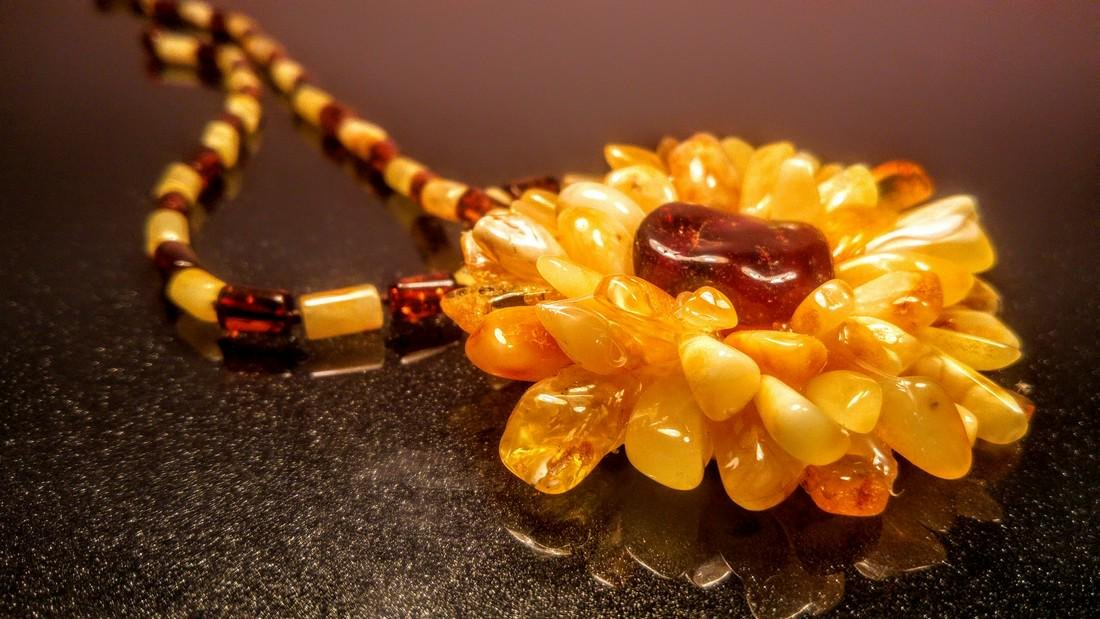Baltic amber necklace with flower pendant, 100% Genuine - 6