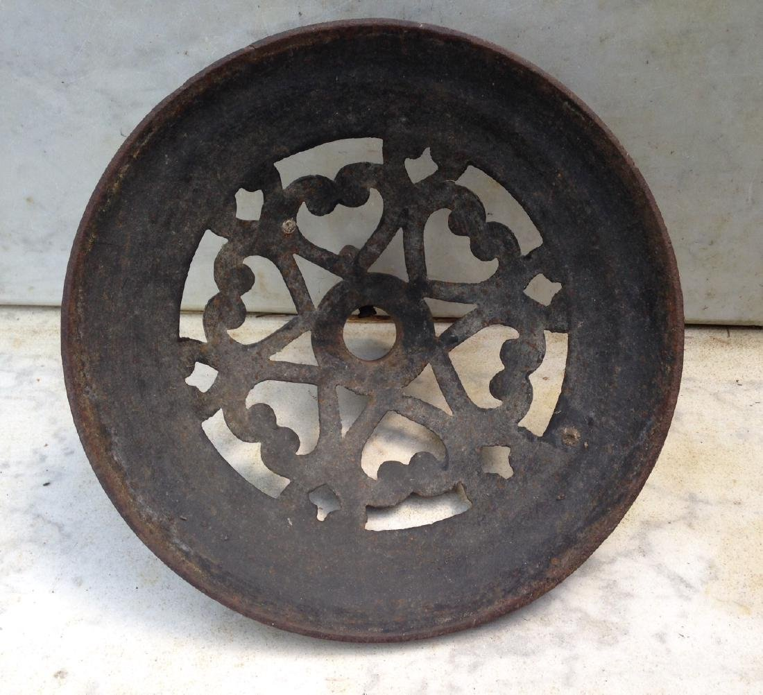 Late 19thc cast iron flag stand with hearts - 4