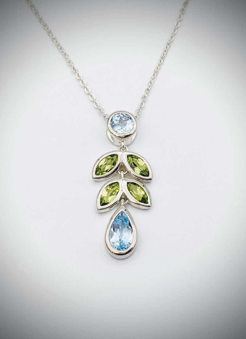 Sterling Silver Necklace w Blue Topaz & Peridot Pendant