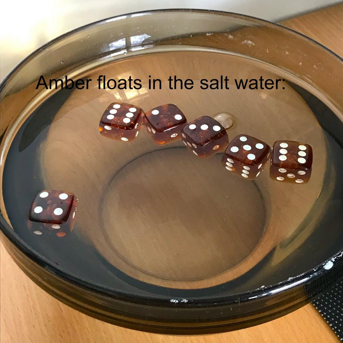 6x Baltic amber dices six-sided - 4