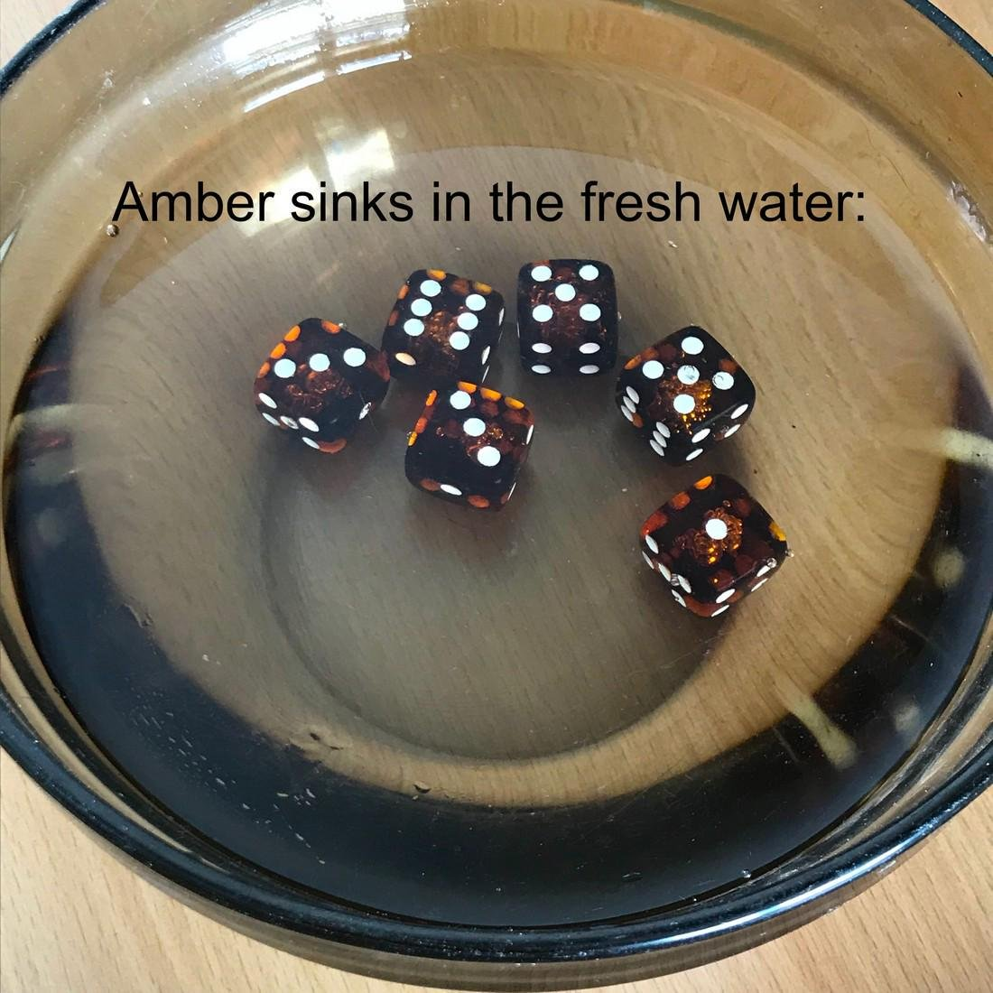 6x Baltic amber dices six-sided - 5