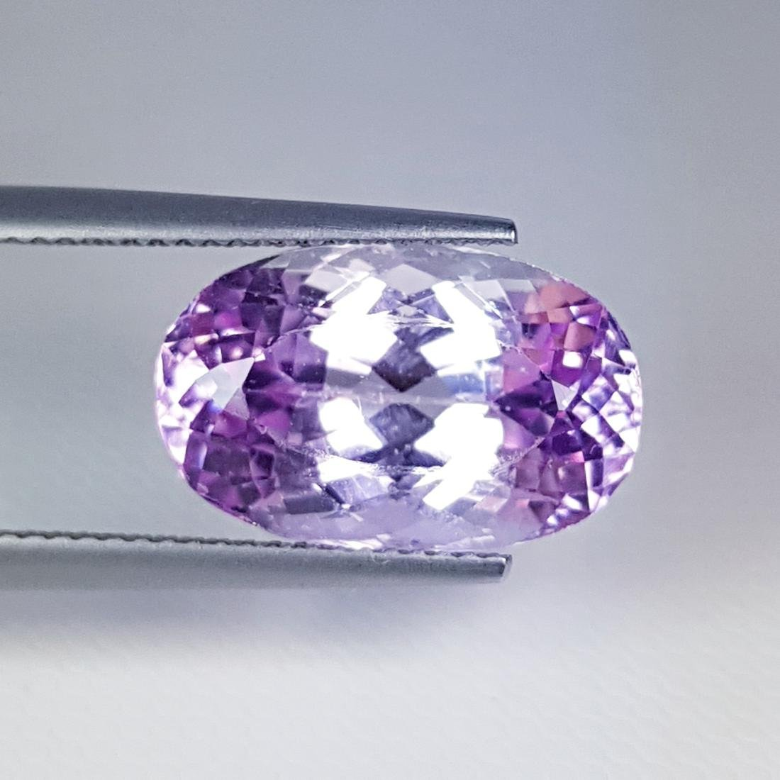 Lovely Gem Oval Cut Natural Pink Kunzite - 9.70 ct
