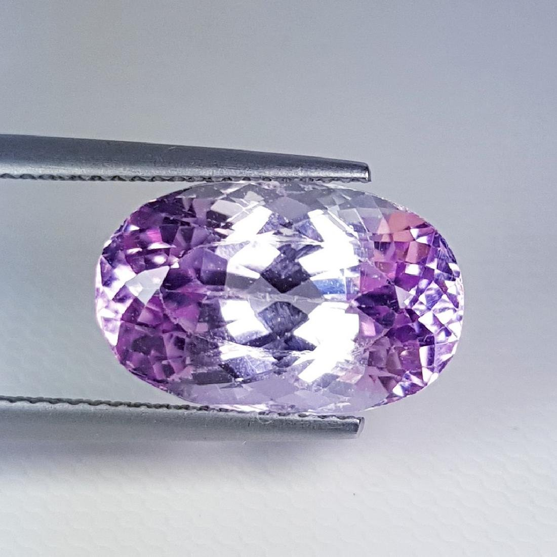 Lovely Gem Oval Cut Natural Pink Kunzite - 9.70 ct - 3