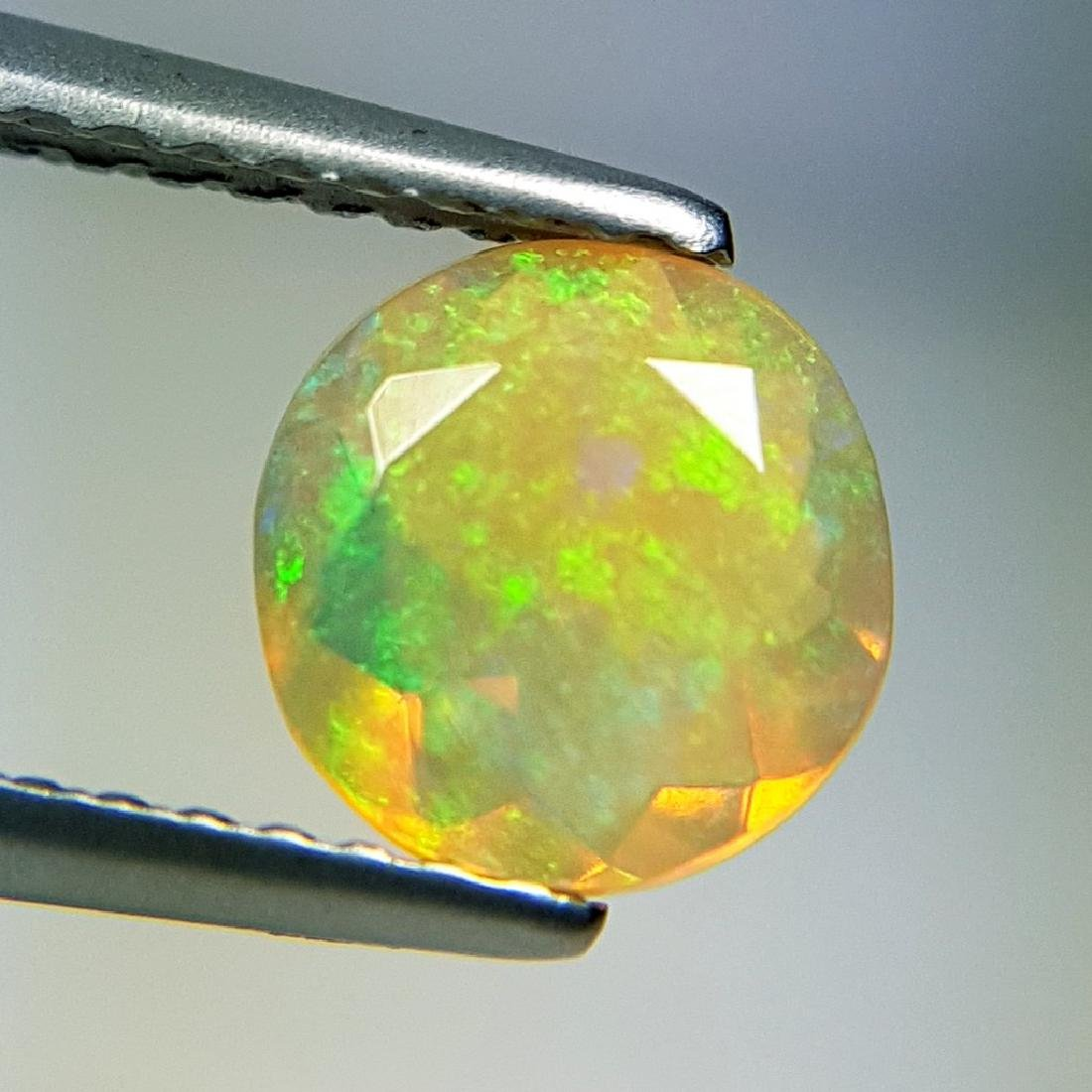 Lovely Fire Round Cut Natural Opal  - 0.83 ct - 2