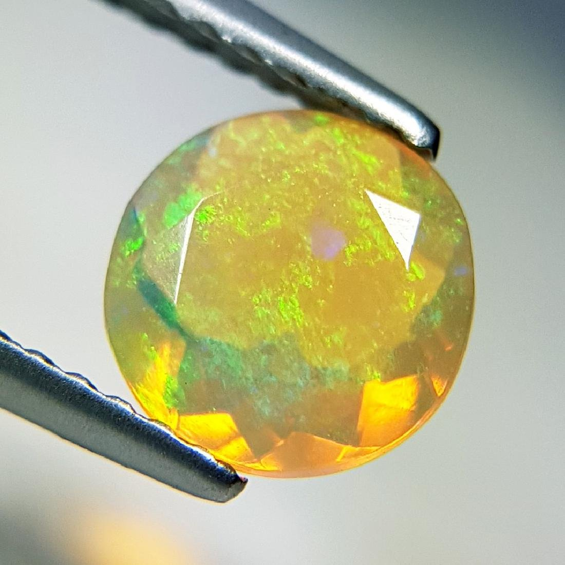 Lovely Fire Round Cut Natural Opal  - 0.83 ct - 5