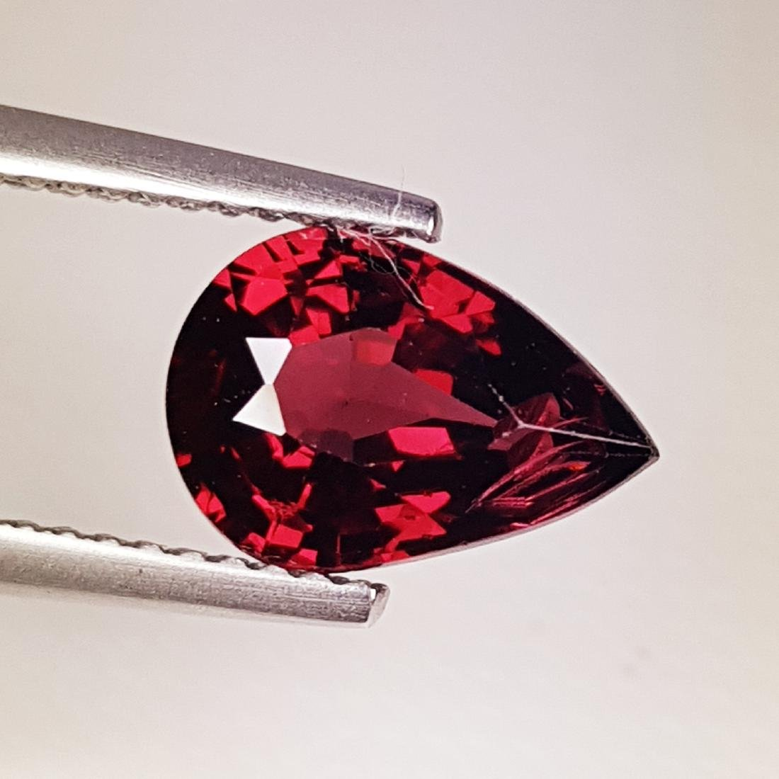 Beautiful Natural Rhodolite Garnet - 2.59 ct