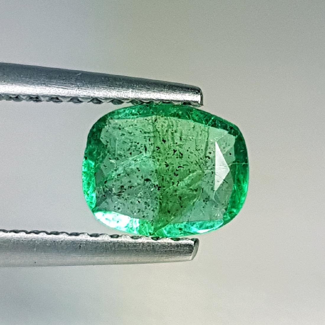 Exclusive Gem Natural Emerald - 0.72 ct - 2