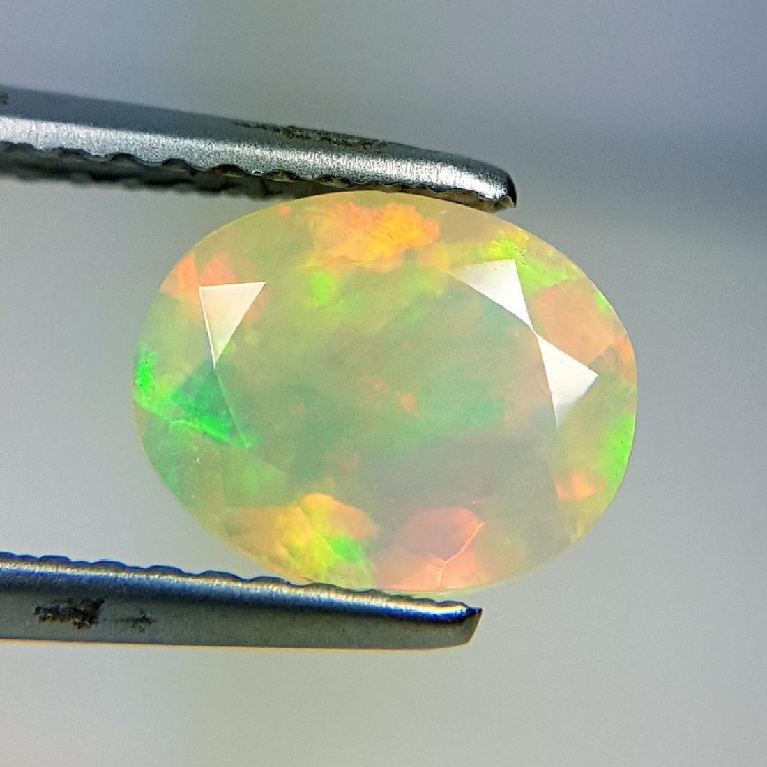 Wonderful Fire Round Cut Natural Opal  - 0.90 ct - 2