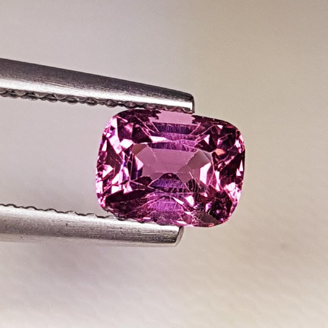 AAA Grade Gem Natural Spinel - 0.98 ct