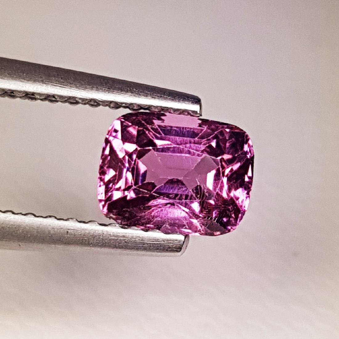 AAA Grade Gem Natural Spinel - 0.98 ct - 2