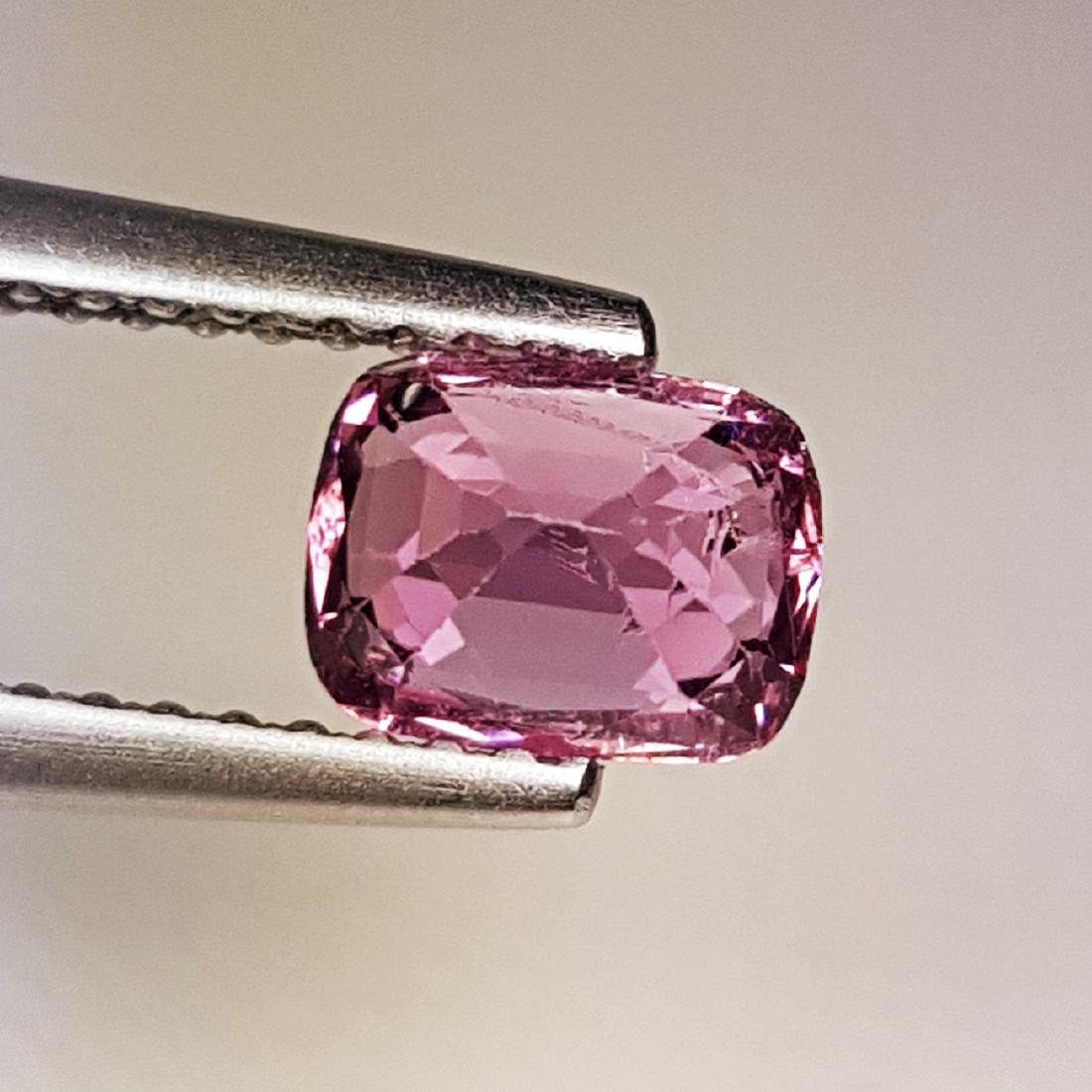 AAA Grade Gem Natural Spinel - 0.98 ct - 3