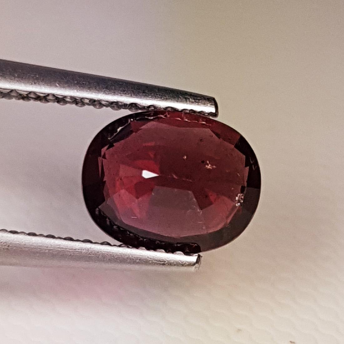 Amazing Oval Cut Natural Rhodolite Garnet - 1.88 ct - 3