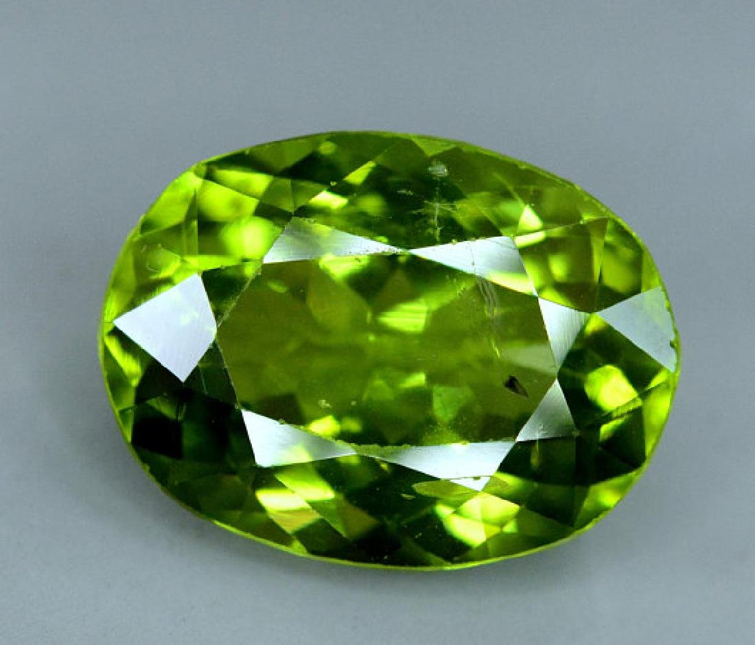 6.25 cts Top Grade Natural Olivine Green Natural - 4