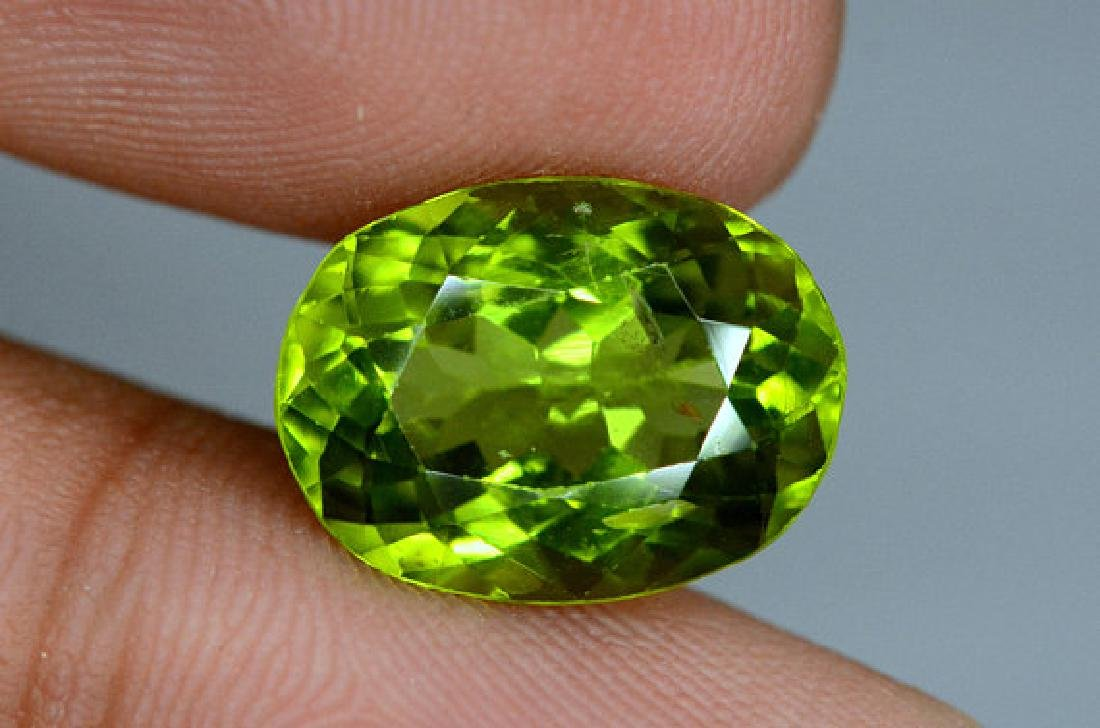 6.25 cts Top Grade Natural Olivine Green Natural - 5