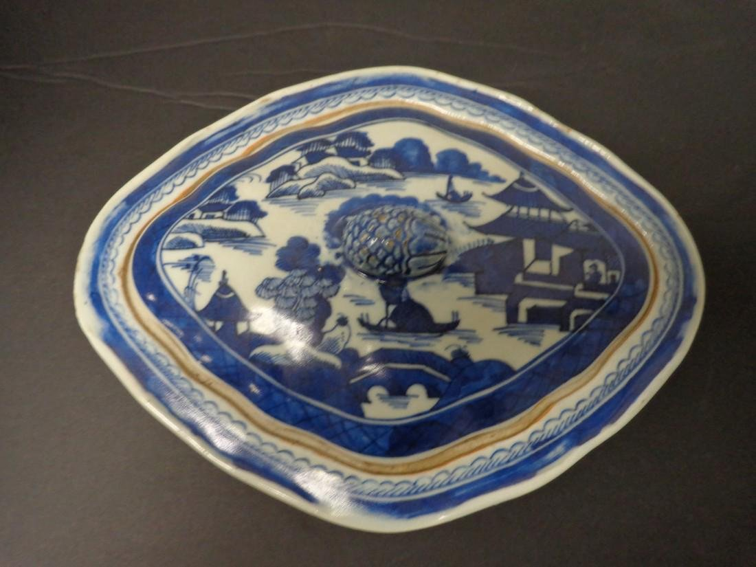Chinese Export Vintage 19th Century Blue & White