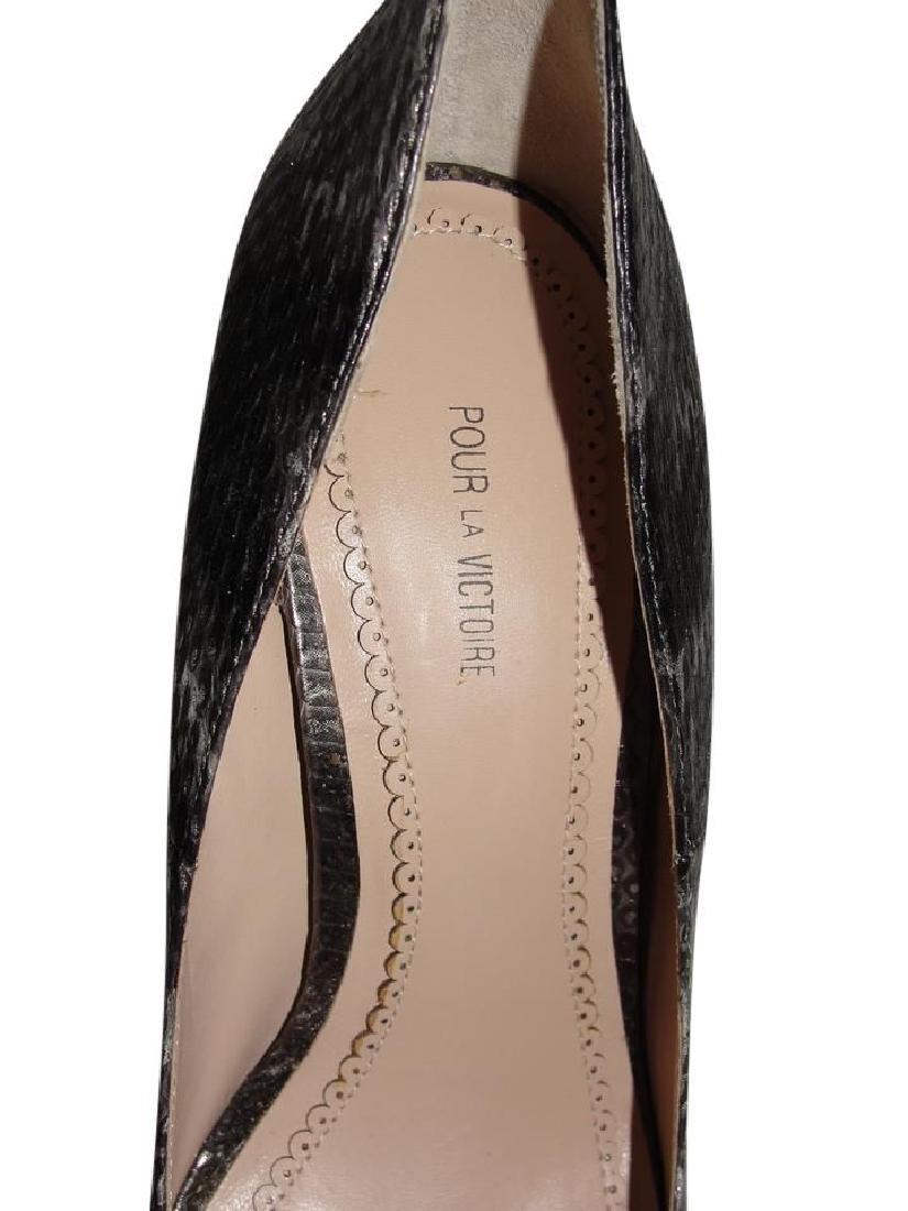 Pour La Victoire Black Snake Skin Peep Toe Pumps Size - 5
