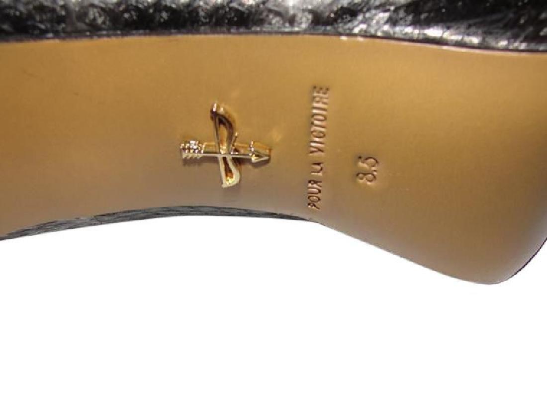 Pour La Victoire Black Snake Skin Peep Toe Pumps Size - 6