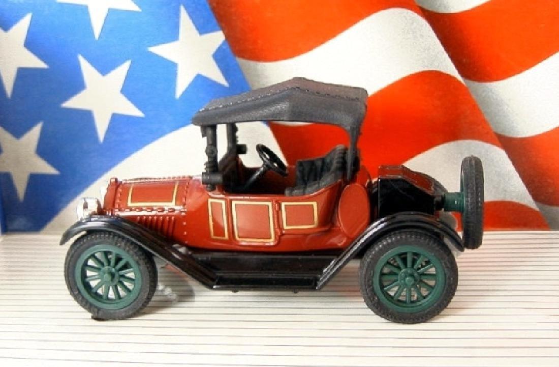 ERTL Classic Vehicles 1:43 - Two 1914 Chevy 'Royal - 2