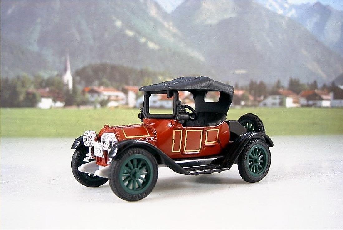 ERTL Classic Vehicles 1:43 - Two 1914 Chevy 'Royal - 3