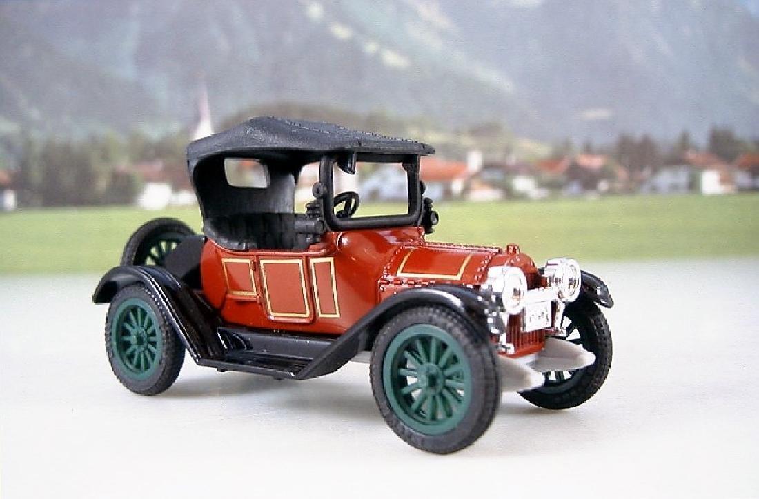 ERTL Classic Vehicles 1:43 - Two 1914 Chevy 'Royal - 4