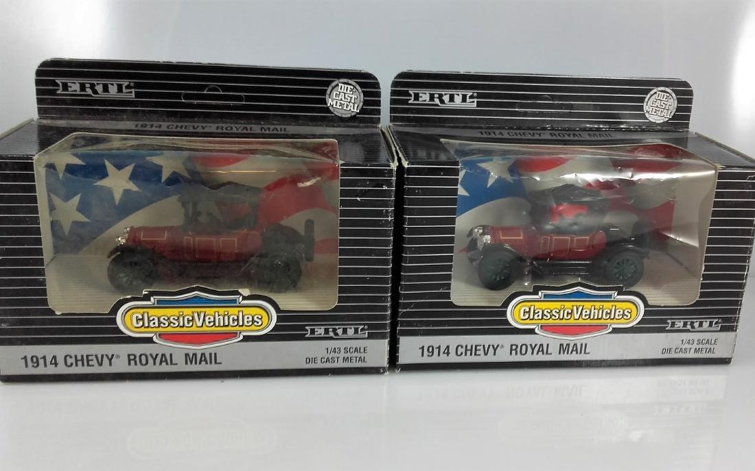 ERTL Classic Vehicles 1:43 - Two 1914 Chevy 'Royal - 8