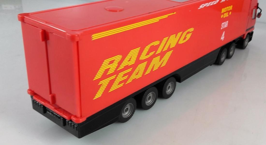 SIKU 1:87 Mercedes Actros 1857 Racing car transporter. - 5