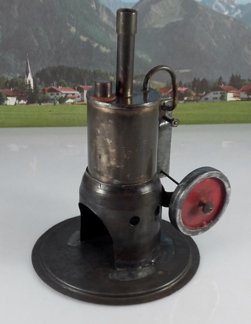 Unknown Height 20 cm - Standing steam engine. - 2