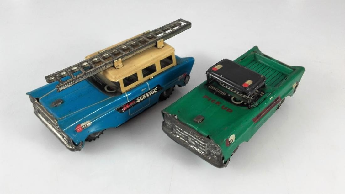China - Vintage Two 24 HR service cars.