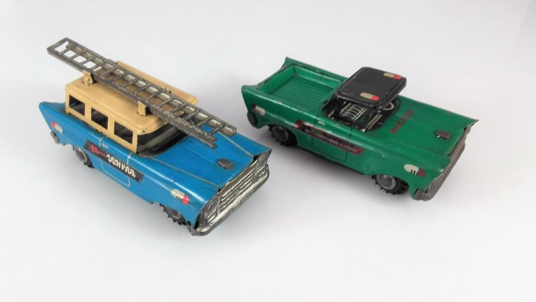 China - Vintage Two 24 HR service cars. - 2
