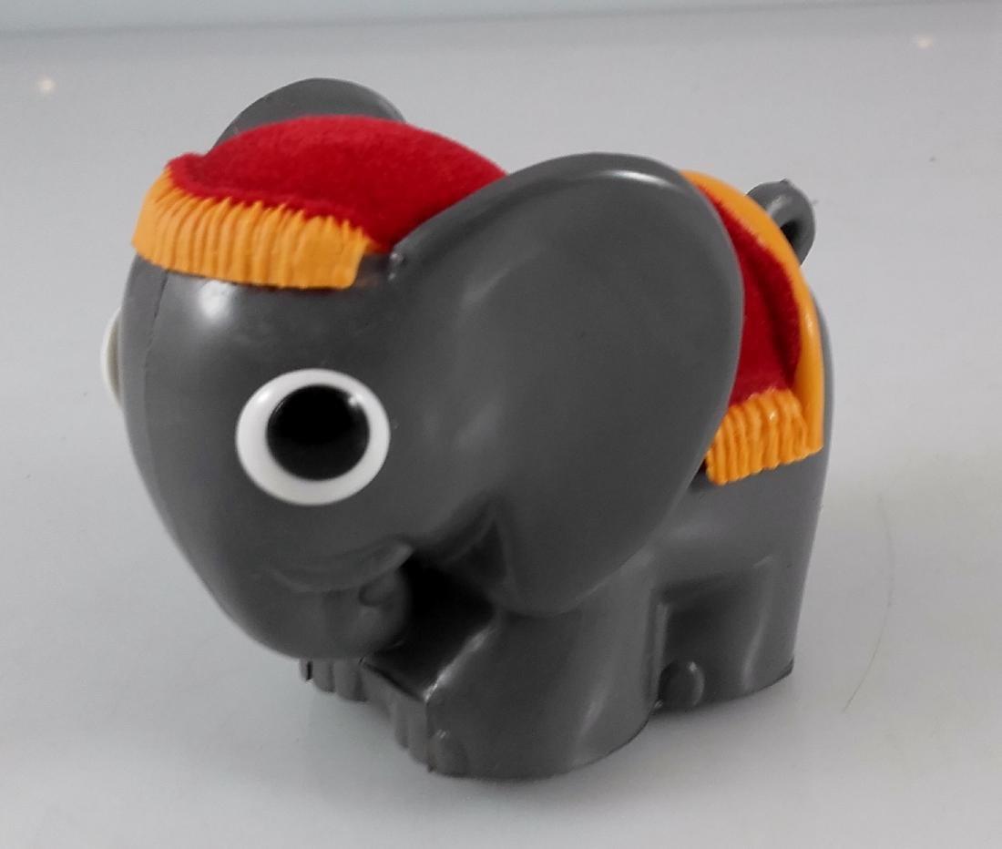 Lehmann - 916 - Basta - Elephant with cover.