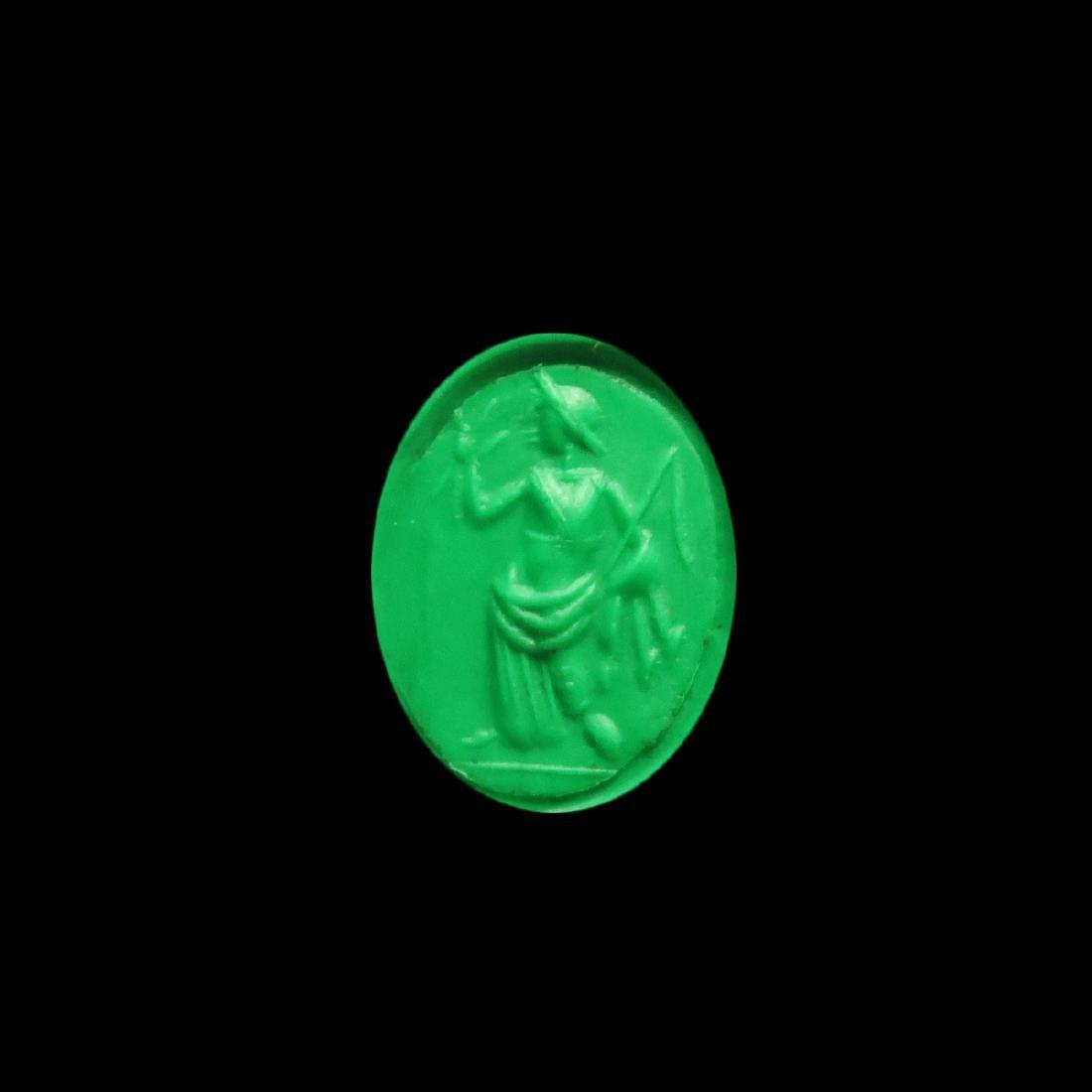 Roman Gold Ring with Cornelian Intaglio with Goddess - 2
