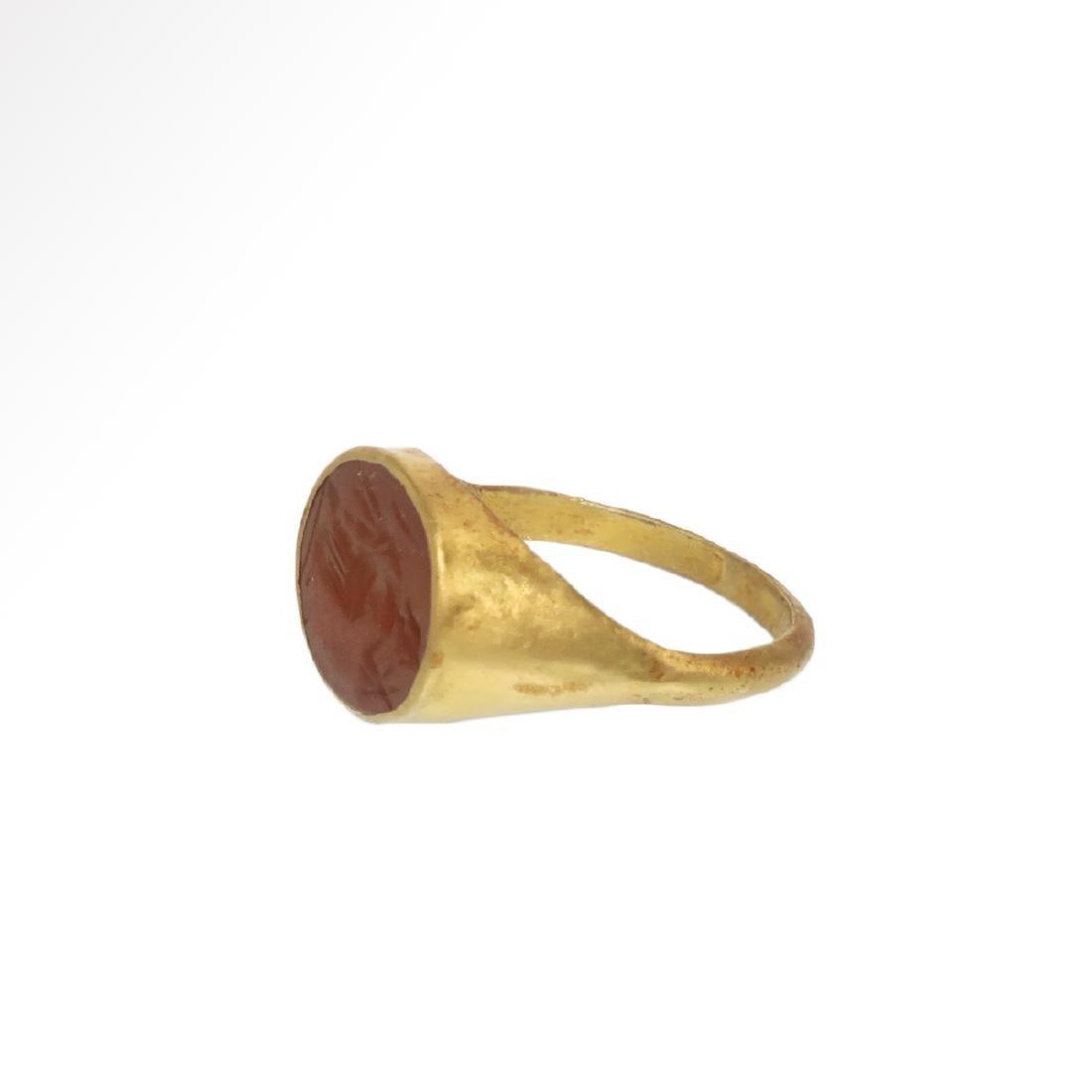 Roman Gold Ring with Cornelian Intaglio with Goddess - 4