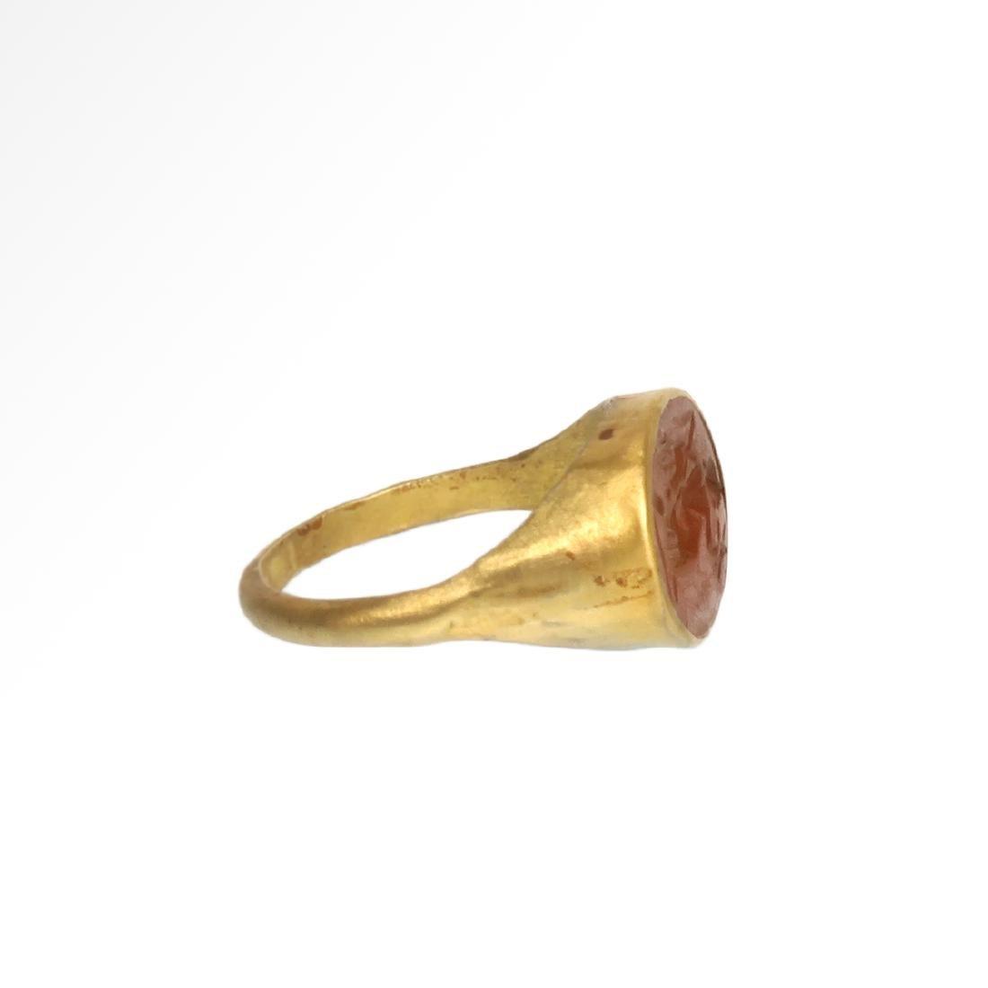 Roman Gold Ring with Cornelian Intaglio with Goddess - 5