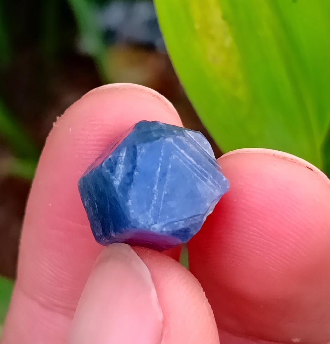25 Carat A Rare Double Terminated Hexagonal Shape - 2
