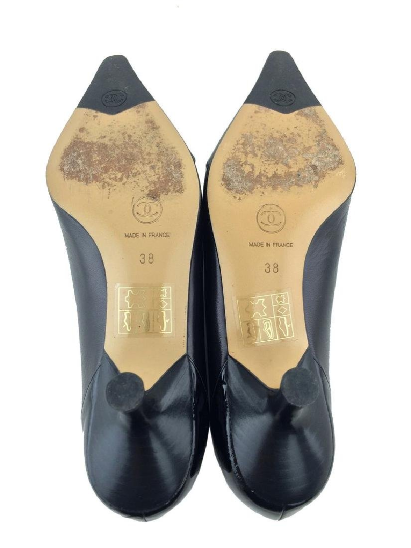 Chanel Leather Cap Toe Classic Pump Size 8 - 4