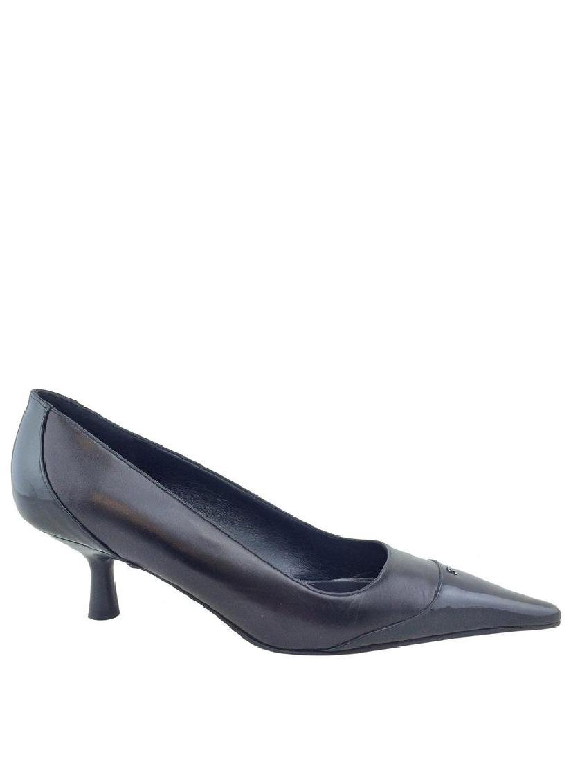 Chanel Leather Cap Toe Classic Pump Size 8 - 6