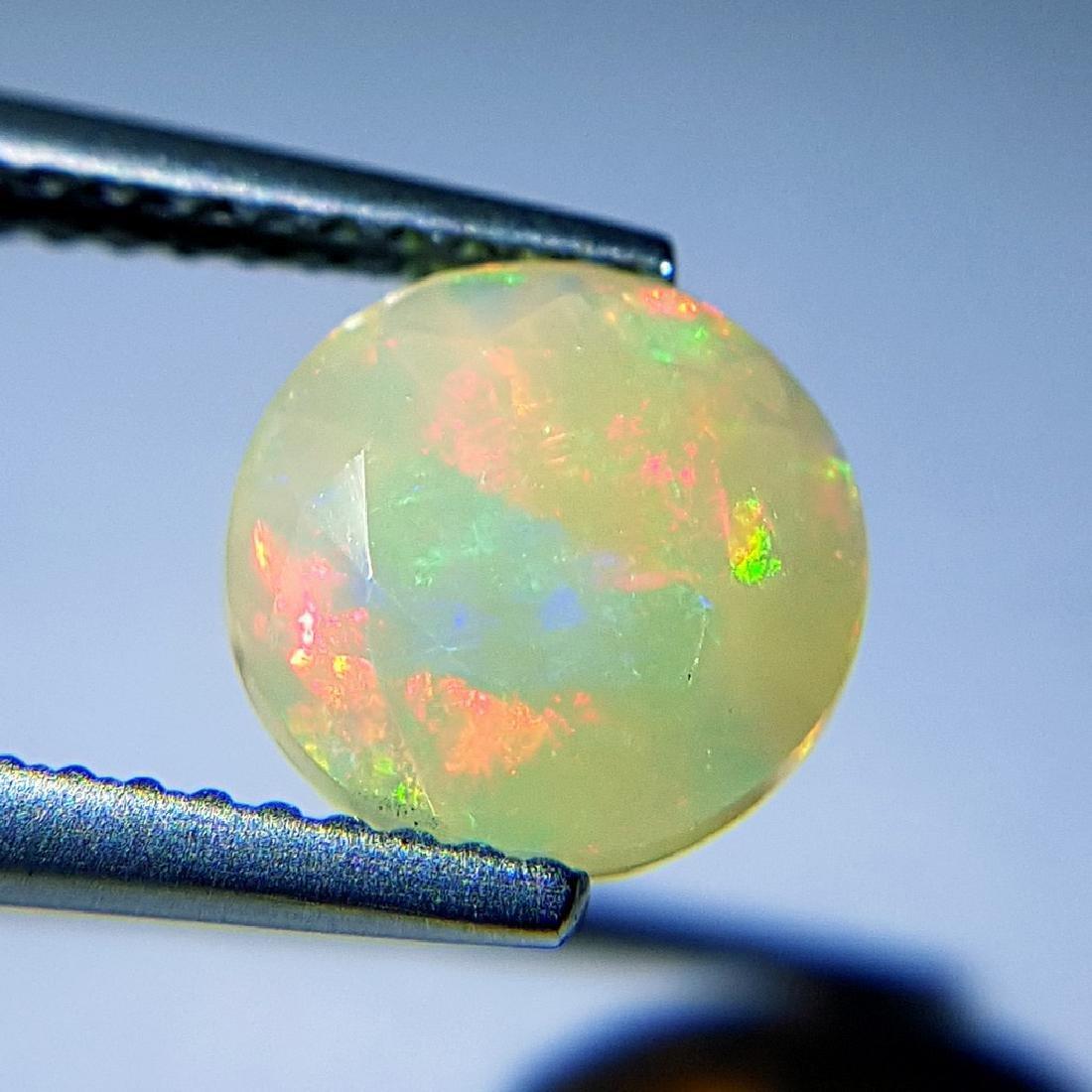1.40 ct Beautiful Fire Round Cut Natural Opal - 2