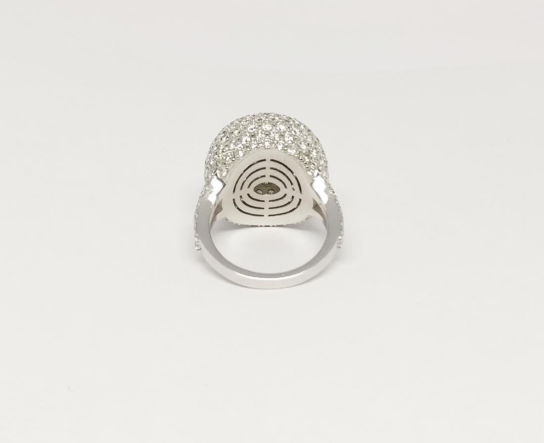 An 18K AIG Certified Diamond Ring 7.18 ct total - 3