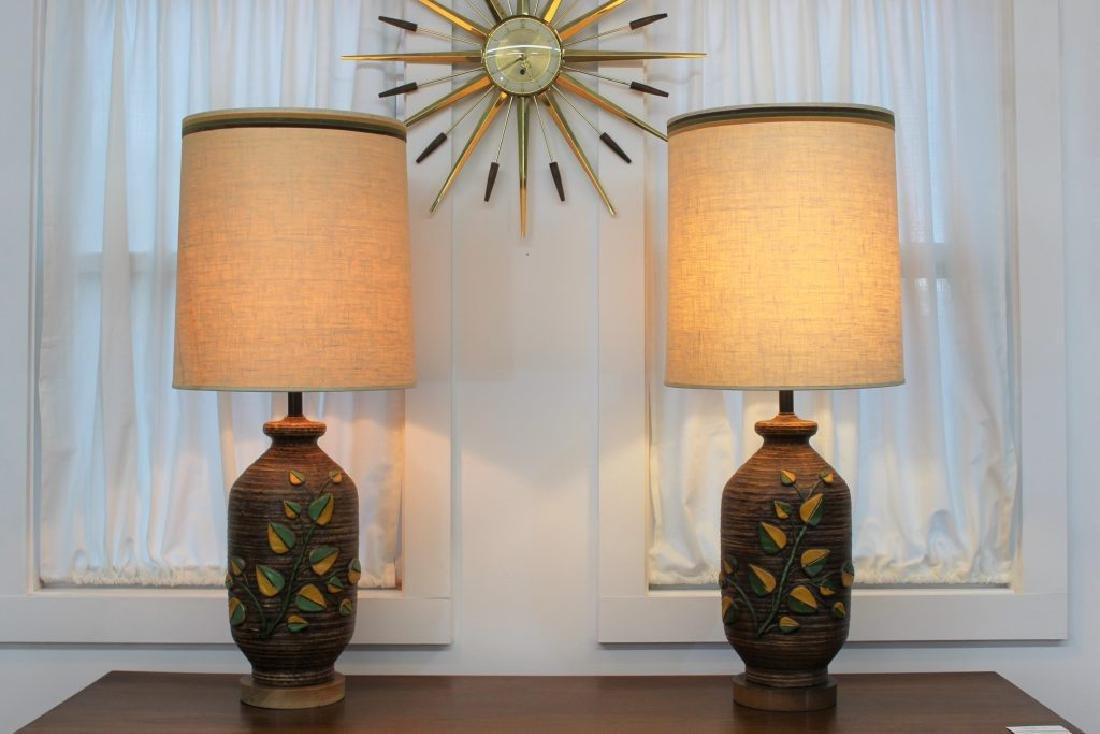 Mid Century Modern pair of ceramic lamps |