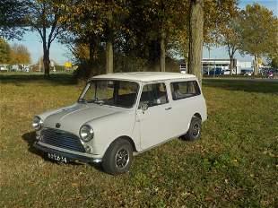 Mini panelvan