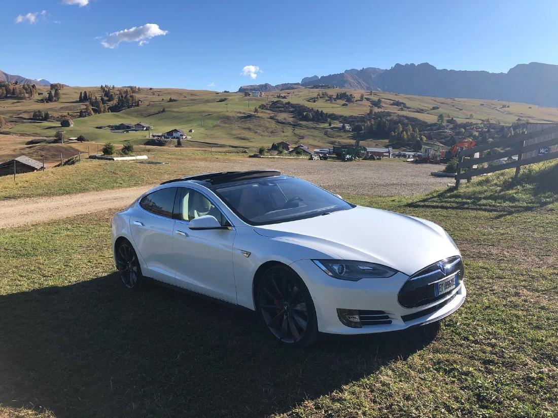 Tesla from Andrea Bocelli - 10