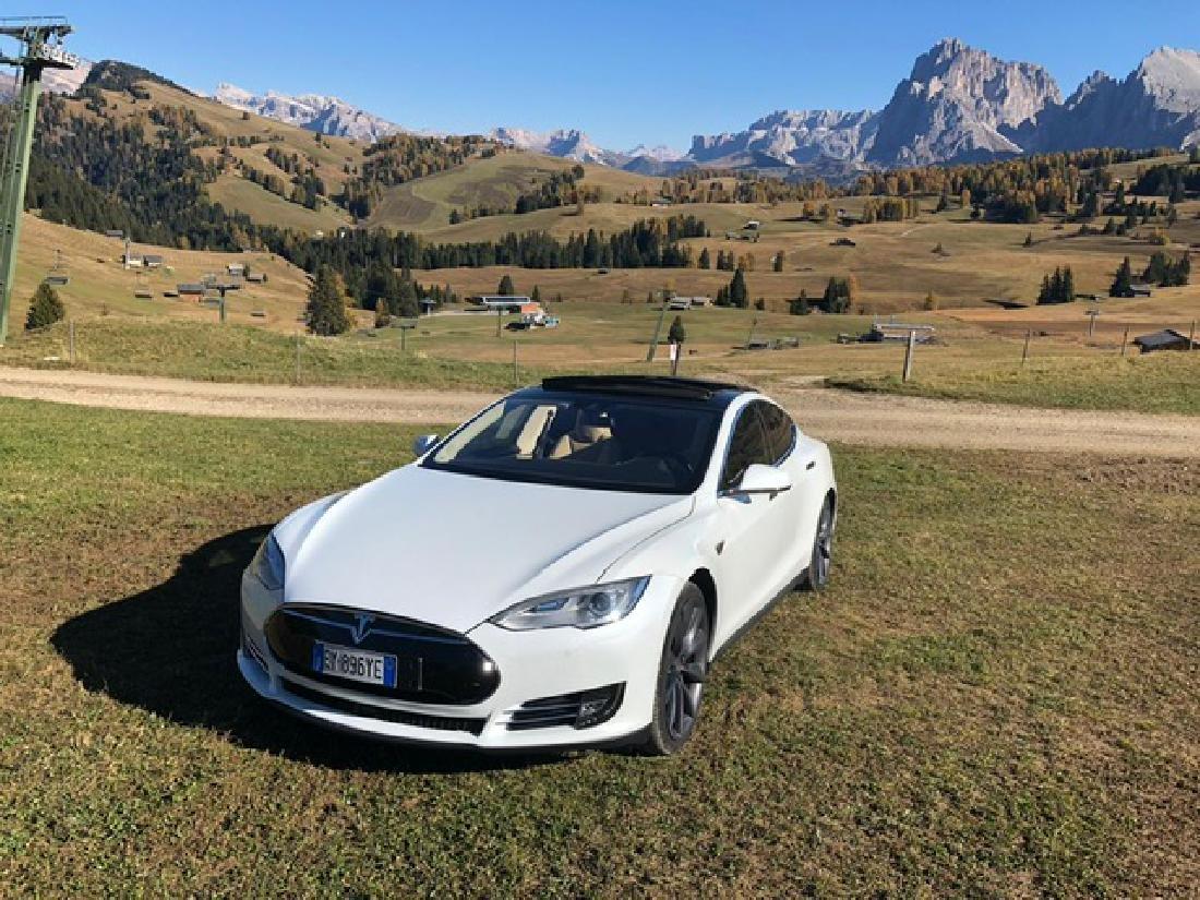 Tesla from Andrea Bocelli - 7