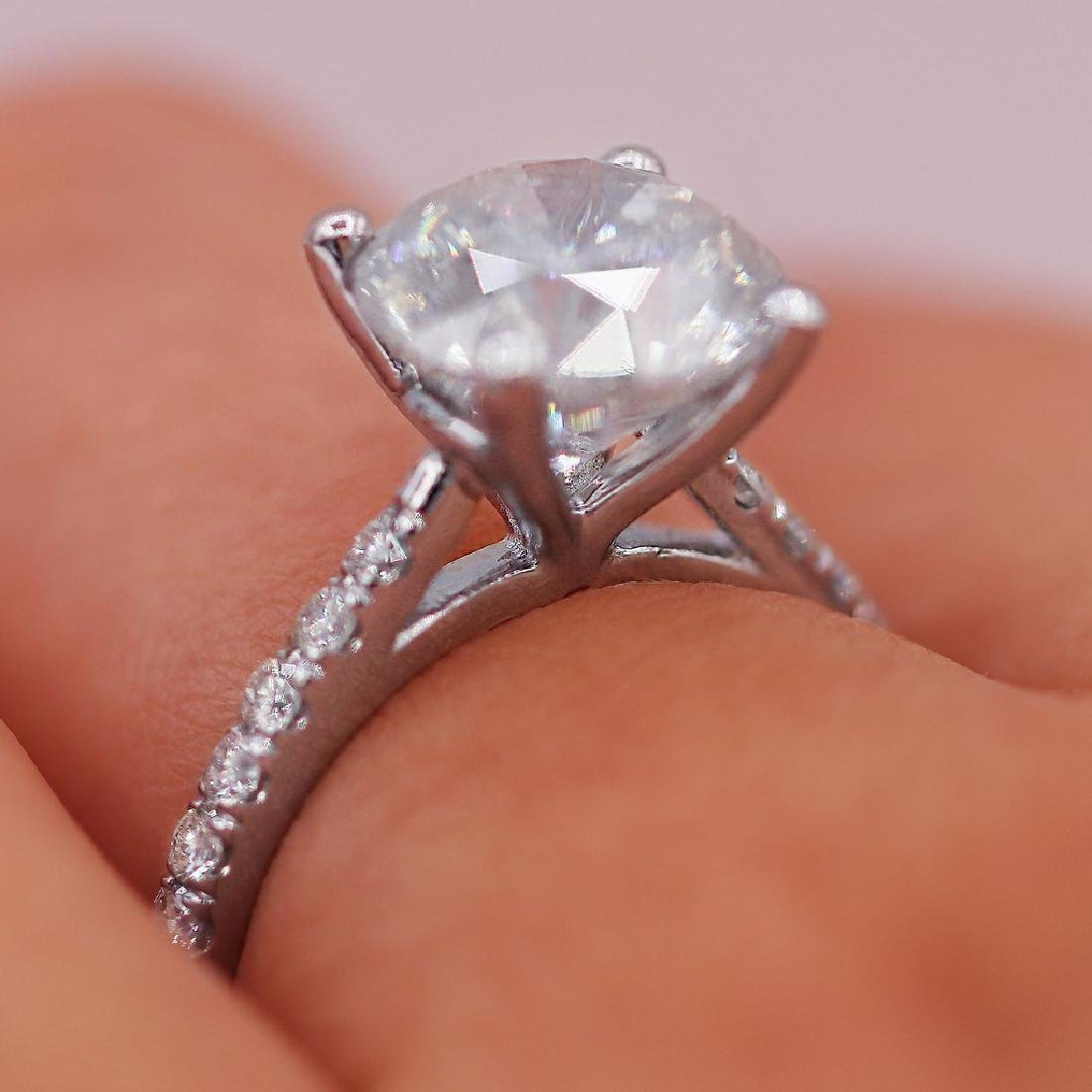 Certified 4.51 Carats Engagement Ring - 3