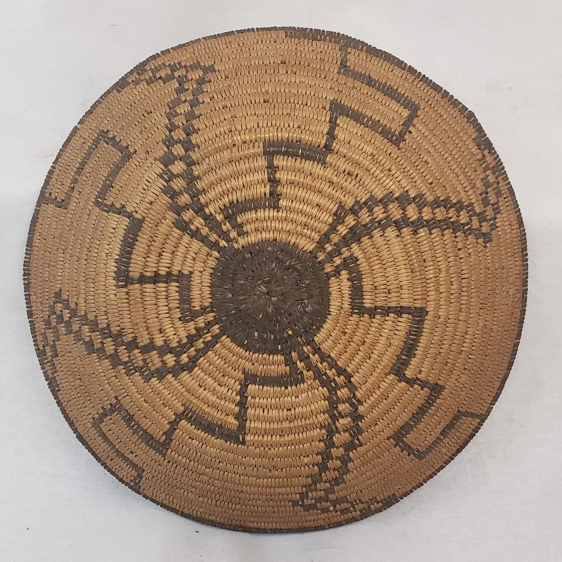 Fine Apache geometric basket ca 1900-1920 - 3