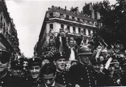 ROBERT CAPA  Liberation de Paris ChampsElyses 1944