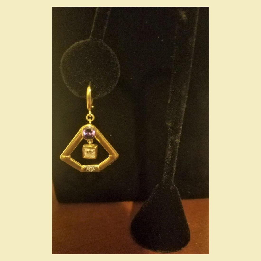 Gorgeous pair of 14k yellow gold earing pentagon shape - 2