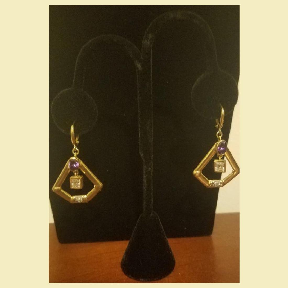 Gorgeous pair of 14k yellow gold earing pentagon shape - 3